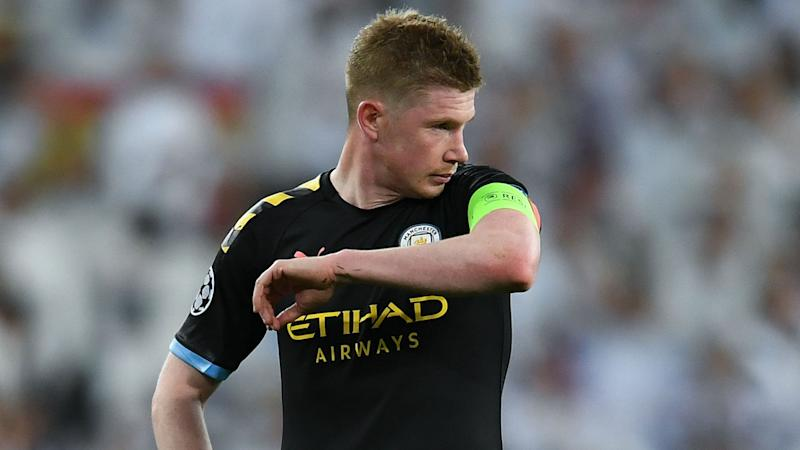 Liverpool players can't lace De Bruyne's boots - Murphy takes strange swipe at guard of honour