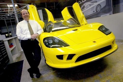 """Steve Saleen in 2003 at his Irvine plant with the Saleen S7. <span class=""""copyright"""">(Karen Tapia-Andersen / Los Angeles Times)</span>"""