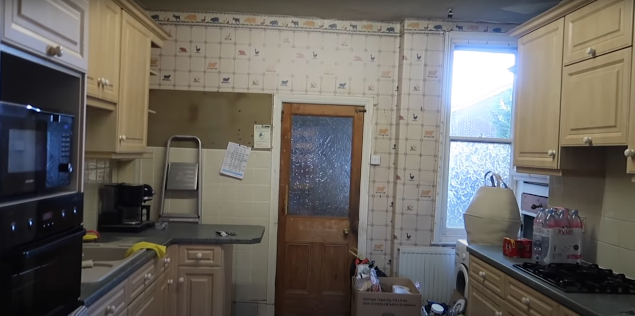 The kitchen was dark and dated before. (Supplied: Freya Farrington/latestdeals.co.uk)