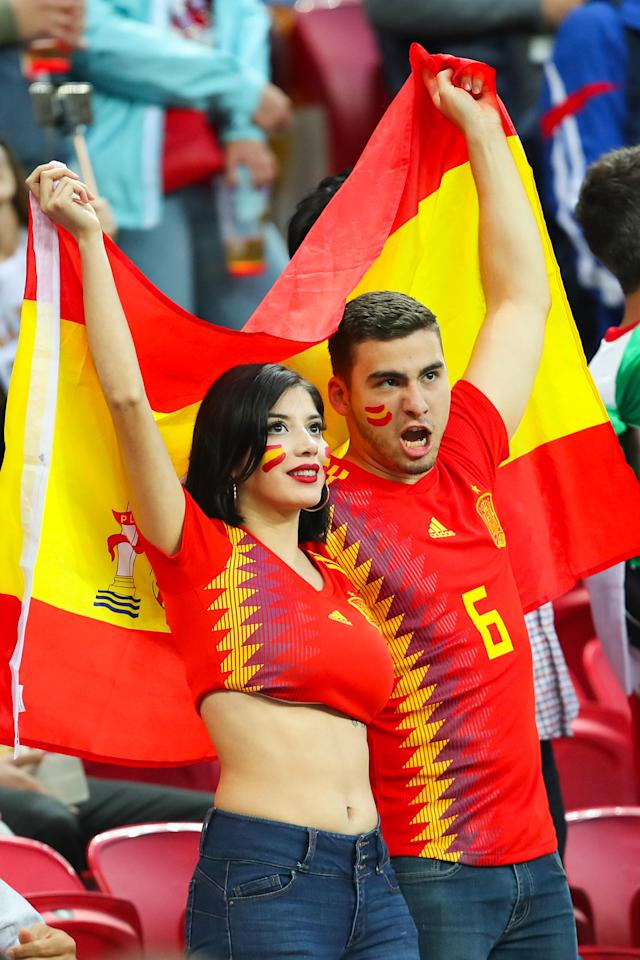 <p>Spain fans show their support prior to the 2018 FIFA World Cup Russia group B match between Iran and Spain at Kazan Arena on June 20, 2018 in Kazan, Russia. (Photo by Robbie Jay Barratt – AMA/Getty Images) </p>