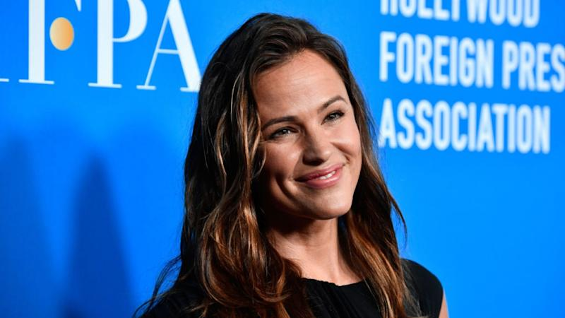Jennifer Garner, Reese Witherspoon and More Stars Announced for 'Stand Up to Cancer' 10-Year Anniversary