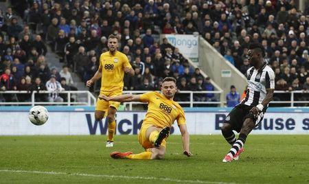 Britain Football Soccer - Newcastle United v Preston North End - Sky Bet Championship - St James' Park - 24/4/17 Newcastle United's Christian Atsu scores their second goal Mandatory Credit: Action Images / Lee Smith Livepic