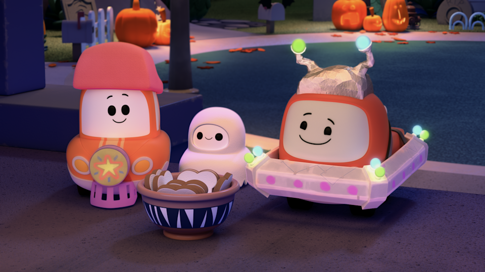 Cory, Chrissy and Freddie are on the hunt for king-sized candy bars this Halloween! But are all the treats worth the trek to the spooky side of town? (Photo: Netflix)