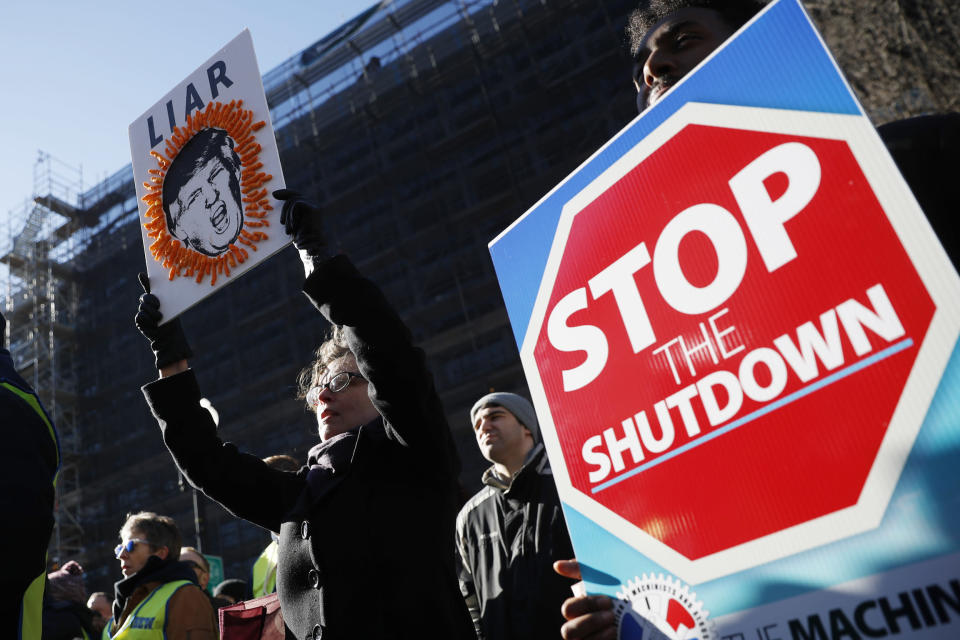Union members and other federal employees rally to call for an end to the partial government shutdown, Thursday, Jan. 10, 2019, at AFL-CIO Headquarters in Washington. (Photo: Pablo Martinez Monsivais/AP)