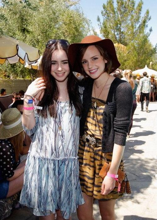 <h2>Brits Lily Collins (daughter of Phil Collins) and Harry Potter alum  Emma Watson soak up the desert sunshine in breezy printed dresses and  essential summer accessories at Mulberry's annual Coachella BBQ Pool  Party at The Parker in Palm Springs near the festival. (Photo by Donato  Sardella/WireImage)</h2>