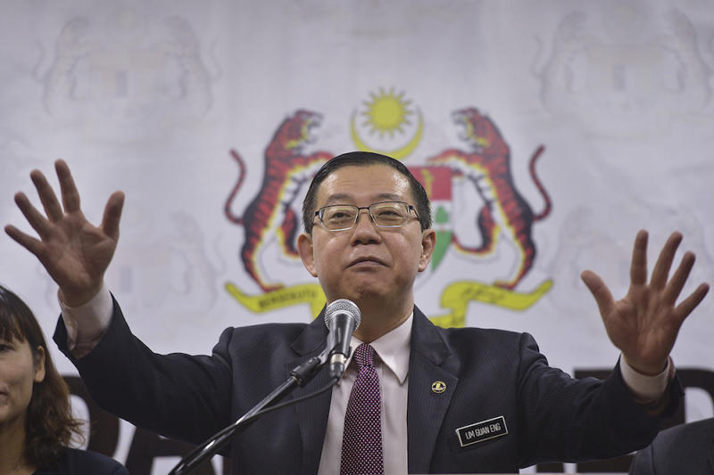 Lim Guan Eng addresses a press conference at the Ministry of Finance in Putrajaya January 8, 2019. — Picture by Mukhriz Hazim