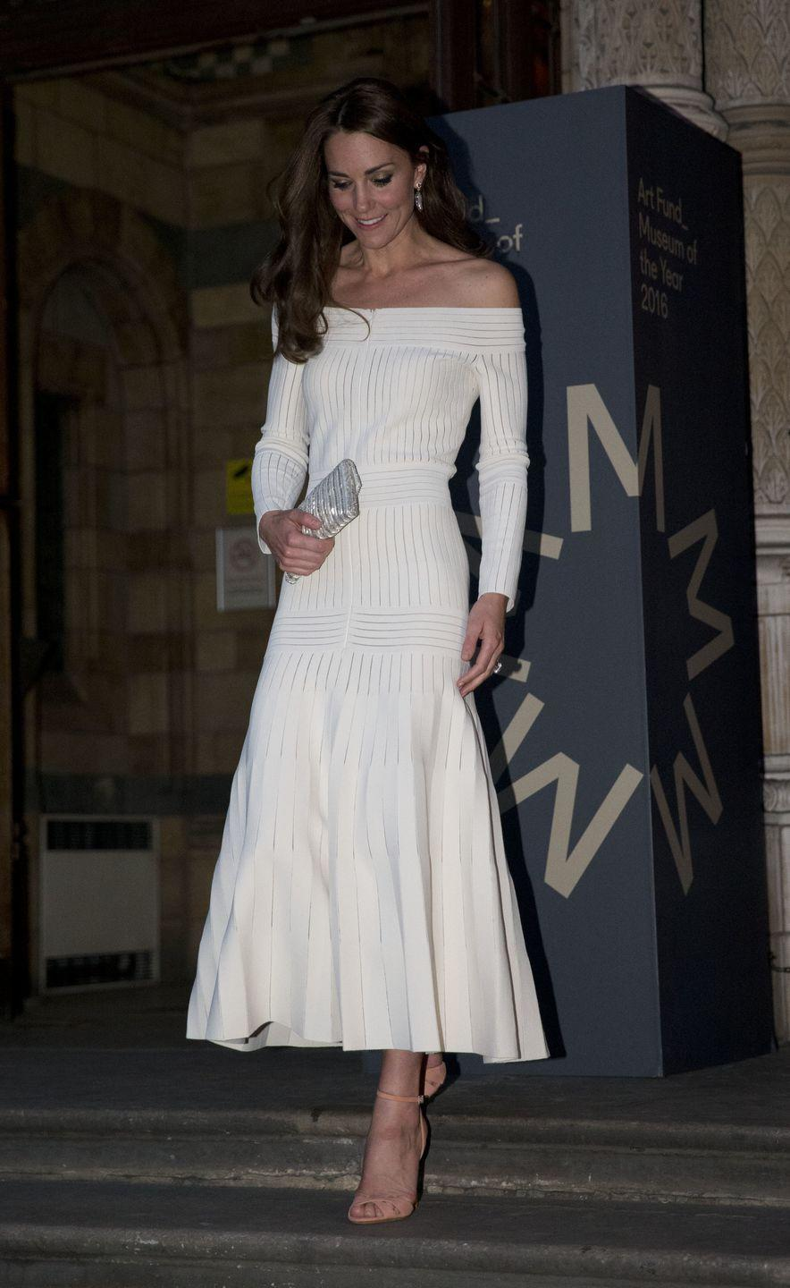 <p>Kate repeatedly wears gowns and dresses that show off her shoulders. She's clearly is a fan of her mother-in-law's style.</p>