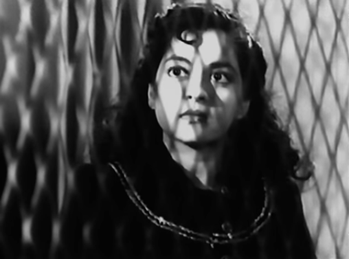 In a newly-independent India with patriotic fervour still running high, this Ashok Kumar-Nalini Jaywant-starrer created a dramatic story of devoted soldiers, wily spies and double agents against the backdrop of the Indian National Army's freedom struggle.