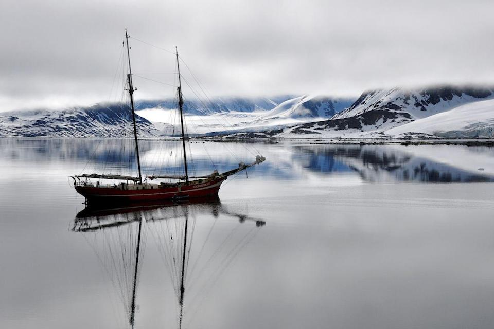 <p>Sailboat near Spitsbergen Island, Norway // May 6, 2015</p>