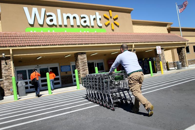 Walmart will raise the minimum wage for its US employees to $11 an hour by  February