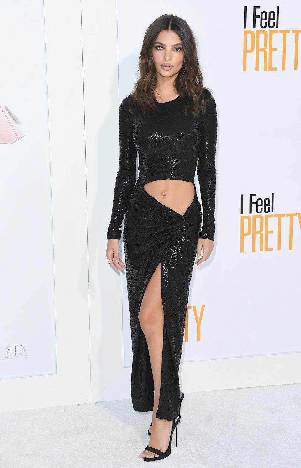<p>For many, a huge cut-out right on the lower stomach would have them running for the hills – but not Emily. At the 'I Feel Pretty' premiere, of which she stars, the actress braved a cut-out Michael Kors dress with a thigh split. <br>[Photo: Getty] </p>