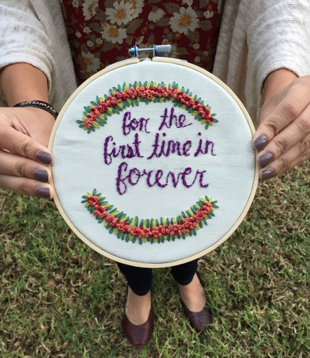 These embroidery hoop art gifts are sew cute