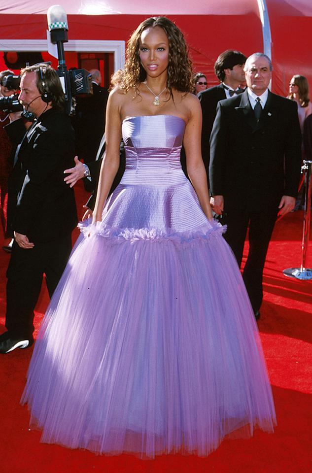 Tyra Banks, 2000. Metallic lavender and tulle once again get short shrift -- and on a supermodel yet. Banks looked like a Barbie robot in her strapless ballgown. Other comparisons included bad prom dress, toilet-roll holder, and blinds duster. Come to think of it, imagine how efficient it would it be to have a Swiffer Duster dress. (Until that wench in the Roomba comes along, at least.)