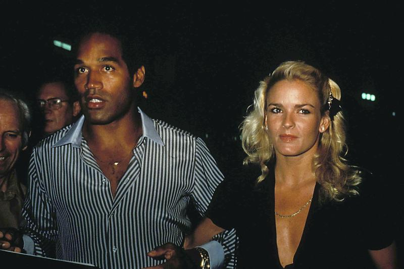 OJ Simpson and Nicole Brown Simpson. October 1981. Credit: 3385786Globe Photos/MediaPunch /IPX