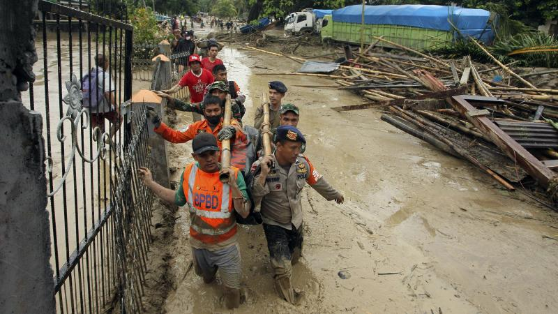 More than 20 dead and two missing missing in Indonesia floods