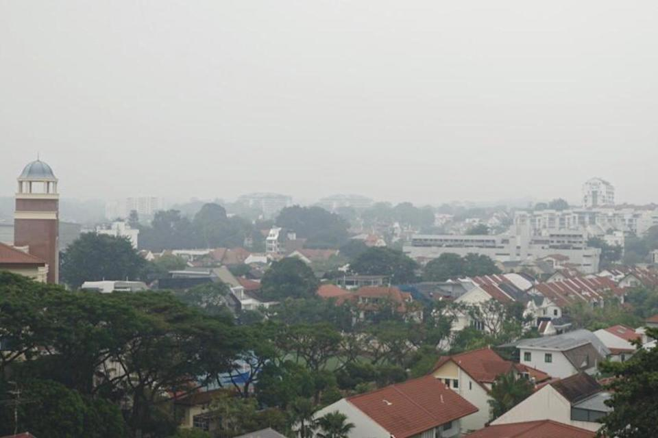 Hazy conditions in Bukit Timah area at 1.50pm on Saturday (14 September). PHOTO: Dhany Osman/Yahoo News Singapore