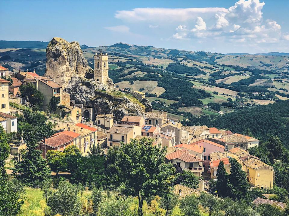40 tourists will enjoy a free holiday in Molise - getty