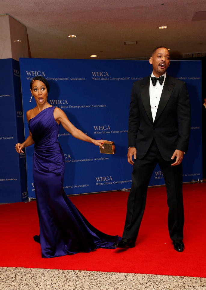 Actors Will Smith and Jada Pinkett Smith arrive on the red carpet for the annual White House Correspondents Association Dinner in Washington, U.S., April 30, 2016. REUTERS/Jonathan Ernst     TPX IMAGES OF THE DAY
