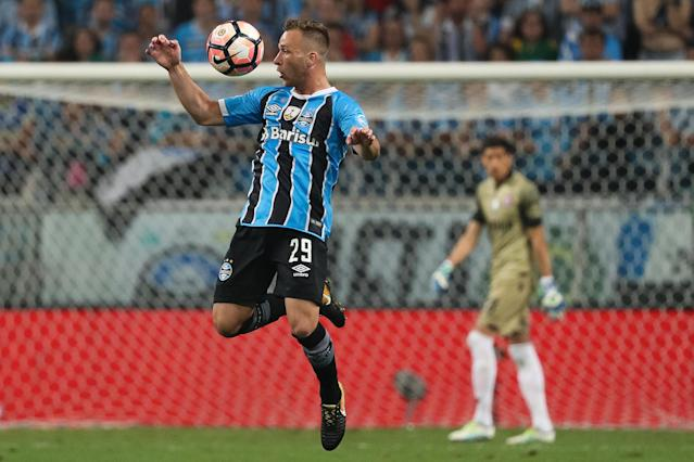 The Gremio star is expected to move to Camp Nou in a €40 million deal after an agreement was struck with his club , and he is raring to go