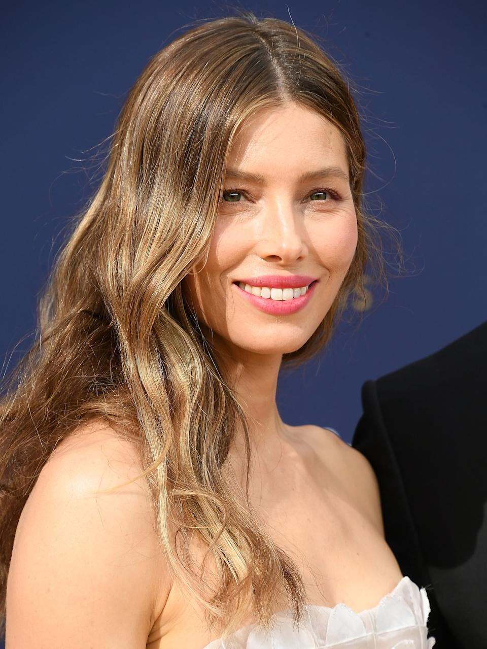 """Photos of Jessica Biel posing with California lawmakers have people calling the star an """"anti-vaxxer."""""""