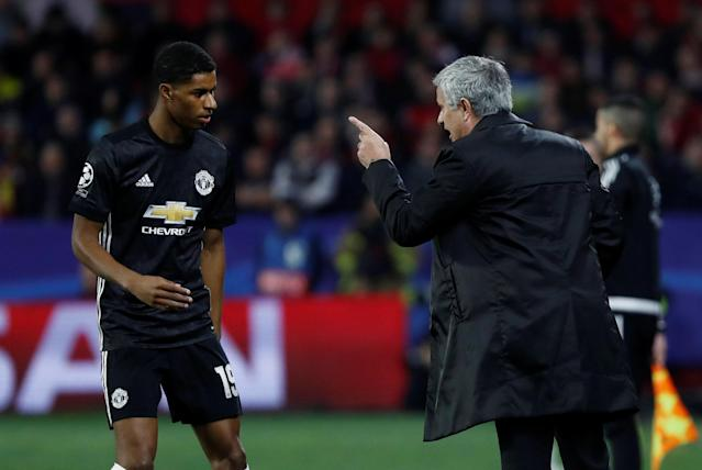 Soccer Football - Champions League Round of 16 First Leg - Sevilla vs Manchester United - Ramon Sanchez Pizjuan, Seville, Spain - February 21, 2018 Manchester United manager Jose Mourinho gives instructions to Marcus Rashford REUTERS/Juan Medina