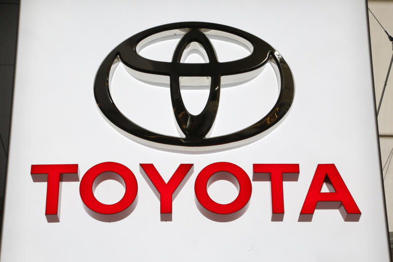 Toyota recalls 1.7M vehicles in N. America to fix air bags