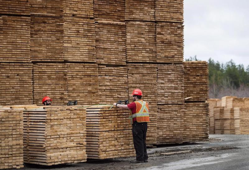 Closed mills, housing surge support positive forecast for lumber, OSB industries