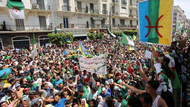 Berber flag controversy in Algerian courts continues