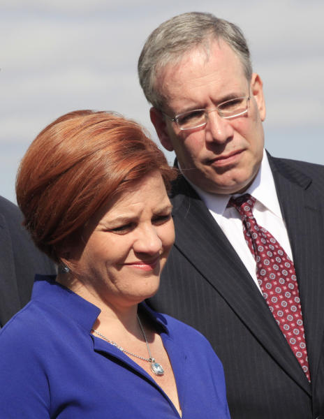In this Sept. 20, 2012 photo, City Council Speaker Christine Quinn, left, and Scott Stringer, Manhattan borough president, participate in a ceremony in New York. Both are possible candidates to succeed New York Mayor Michael Bloomberg. New York City's 2013 mayoral race doesn't fully kick off until after voters are done picking a president. But some of the city's top political players are already jockeying for position, preparing to introduce themselves to voters who haven't paid much attention to who will succeed Michael Bloomberg, the billionaire mayor who has defined City Hall for more than a decade. (AP Photo/Mark Lennihan)