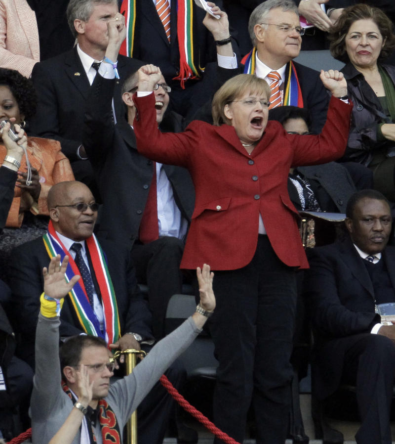 Merkel to make year's 2nd World Cup trip for final