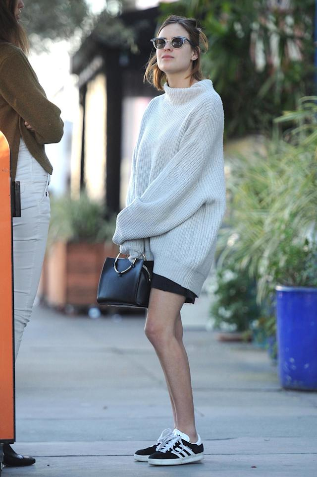 <p>The youngest of the Willis sisters, Tallulah's easy, cozy look has made her a street-style star. (Photo: AKM-GSI) </p>