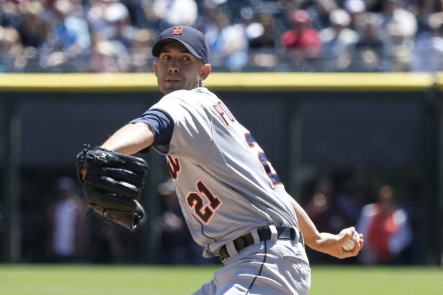 Detroit Tigers starting pitcher Rick Porcello delivers during the first inning of a baseball game against the Chicago White Sox Wednesday, Aug. 14, 2013, in Chicago. (AP Photo/Charles Rex Arbogast)