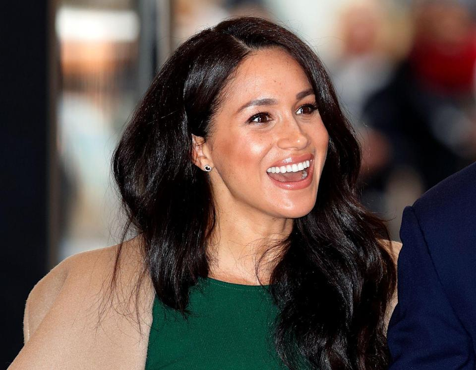 """<p>Meghan shared with <em><a href=""""https://www.delish.com/food/g21603082/meghan-markle-diet/"""" rel=""""nofollow noopener"""" target=""""_blank"""" data-ylk=""""slk:Delish"""" class=""""link rapid-noclick-resp"""">Delish</a></em> in 2018 that when she shot <em>Suits</em>, she'd have hot water with lemon right when she woke up, then eat steel-cut oats with bananas and agave syrup for breakfast.</p>"""