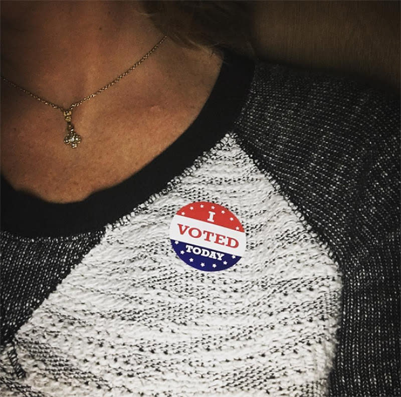 <p>The stickers appear to be a product of the '80s, as a 1982 <em>Miami Herald</em> article reportedly contains the earliest mention of such an item. (Photo: Instagram/kolalalinna) </p>