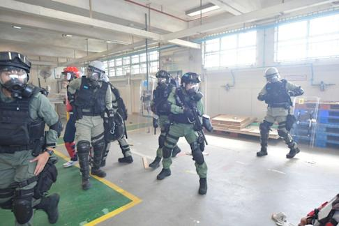 The Correctional Services Department carried out an emergency exercise on November 6 to test the emergency response of its various units in different scenarios including a hostage-taking situation at Pik Uk Prison. Photo: ISD
