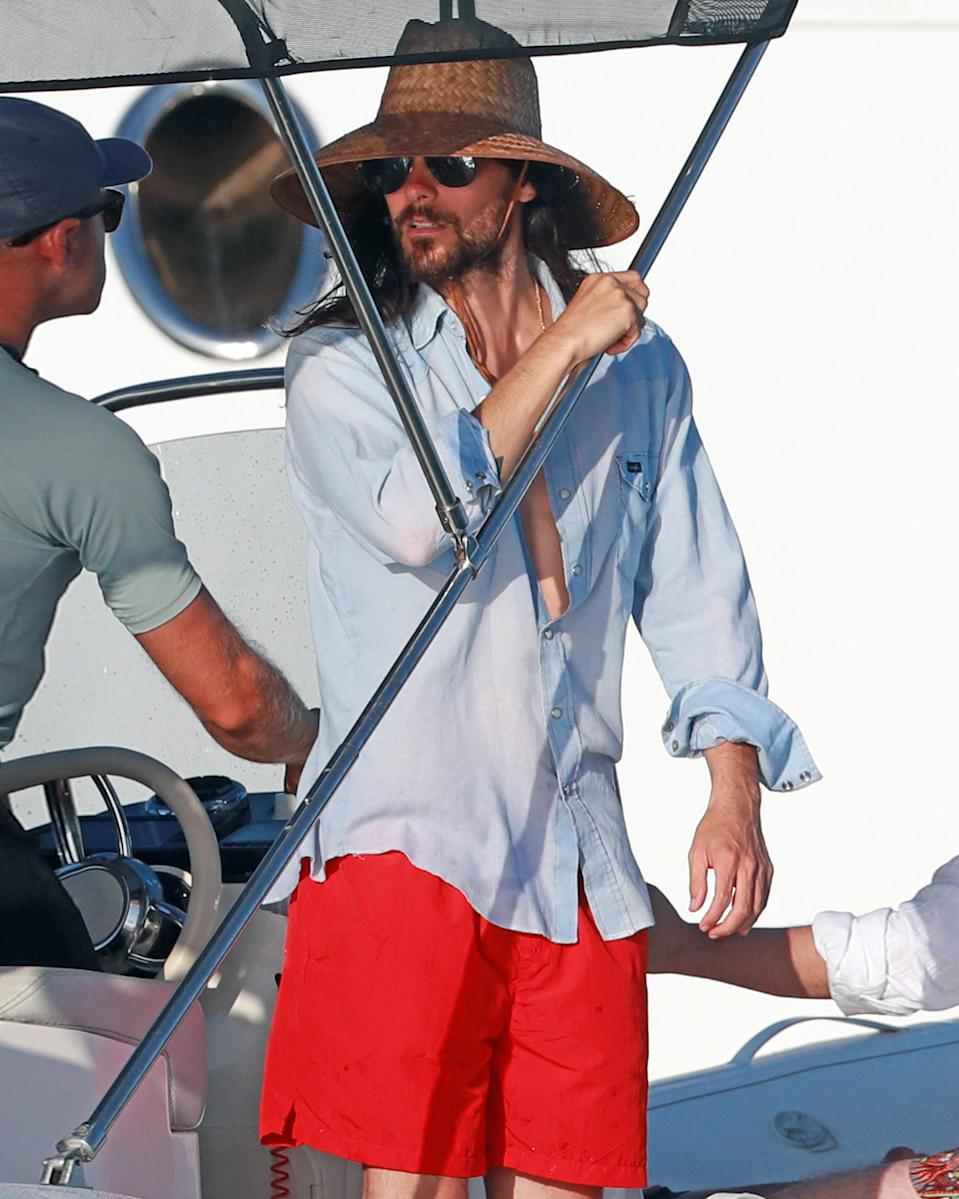 """<h1 class=""""title"""">July 30: Jared Leto</h1> <div class=""""caption""""> Jared Leto knows how to turn a regular fit into a #BigFitoftheDay: Get an enormous hat and wear it on a boat. </div> <cite class=""""credit"""">Splash News</cite>"""