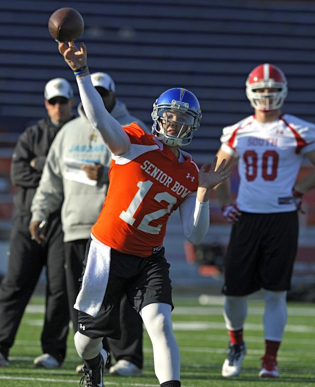 South Squad quarterback David Fales, of San Jose State, throws a pass during Senior Bowl college football practice at Ladd-Peebles Stadium, Thursday, Jan. 23, 2014, in Mobile, Ala. (AP Photo/G.M. Andrews)