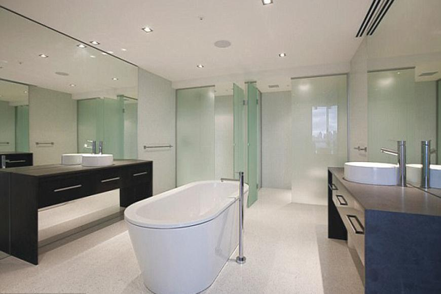 It sits on levels 19 and 20 in the stunning apartment block named YVE on St Kilda road.