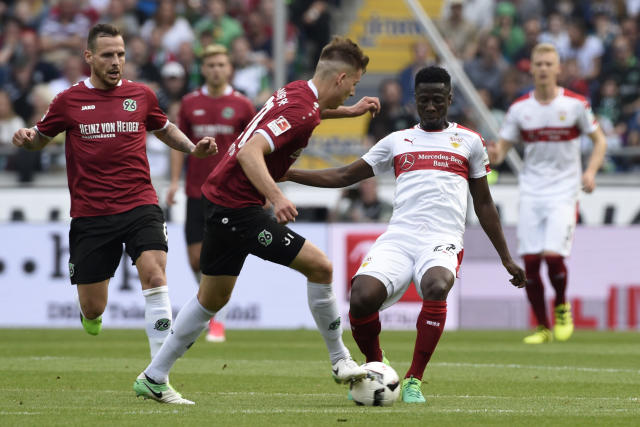 Soccer Football - Hannover 96 v VfB Stuttgart - 2. Bundesliga - HDI-Arena, Hannover, Germany - 14/5/17 Hannover's Waldemar Anton in action with Stuttgart's Ebenezer Ofori Reuters / Fabian Bimmer Livepic DFL RULES TO LIMIT THE ONLINE USAGE DURING MATCH TIME TO 15 PICTURES PER GAME. IMAGE SEQUENCES TO SIMULATE VIDEO IS NOT ALLOWED AT ANY TIME. FOR FURTHER QUERIES PLEASE CONTACT DFL DIRECTLY AT + 49 69 650050.
