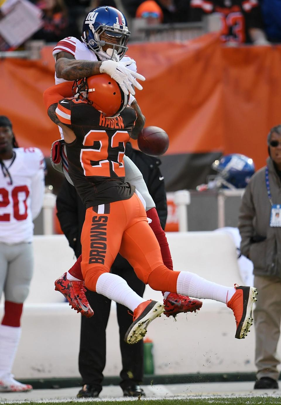 <p>Joe Haden #23 of the Cleveland Browns breaks up a pass intended for Odell Beckham #13 of the New York Giants during the first quarter at FirstEnergy Stadium on November 27, 2016 in Cleveland, Ohio. (Photo by Jason Miller/Getty Images) </p>