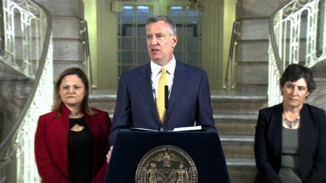 Bill de Blasio to close Rikers Island
