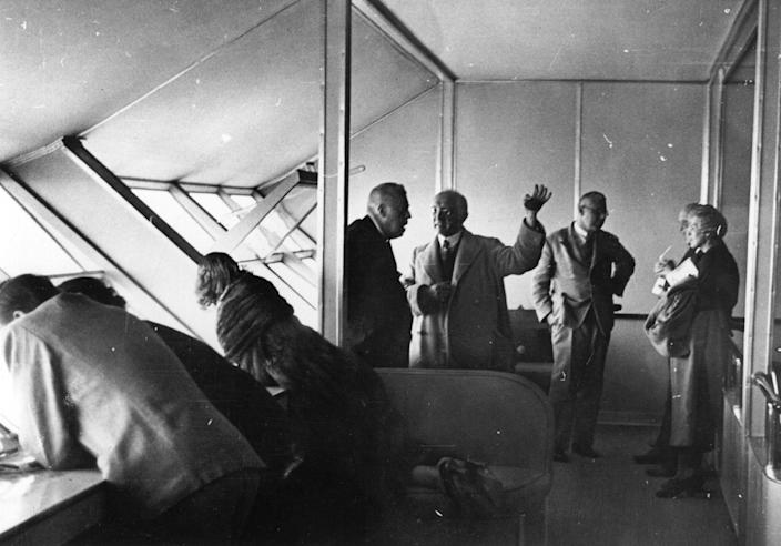 <p>Passengers aboard airship 'Hindenburg' (LZ-129) during an Atlantic flight on August 11, 1936. (Fox Photos/Getty Images) </p>