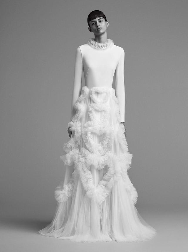 "<p>Long-sleeved, tulle skirt gown from the FW18 Viktor & Rolf <a href=""http://www.viktor-rolf.com/viktorrolf-mariage/"" rel=""nofollow noopener"" target=""_blank"" data-ylk=""slk:Mariage"" class=""link rapid-noclick-resp"">Mariage</a> collection. (Photo: Marijke Aerden) </p>"