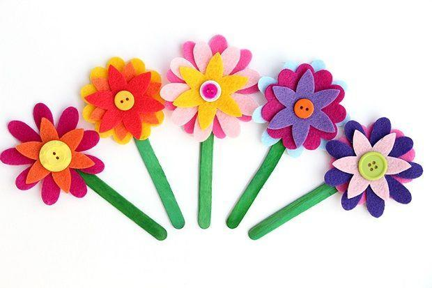 "<p>If Mom is a reader, she'd love a sunny bookmark to help hold her place. The petals are made of felt and finished off with a button center, but the project requires no sewing.</p><p><em><a href=""https://www.happinessishomemade.net/felt-flower-bookmarks/"" rel=""nofollow noopener"" target=""_blank"" data-ylk=""slk:Get the tutorial at Happiness Is Homemade »"" class=""link rapid-noclick-resp"">Get the tutorial at Happiness Is Homemade »</a></em></p>"