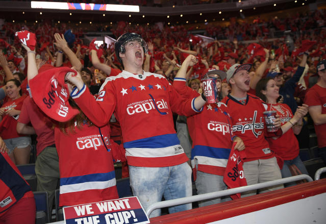 "<a class=""link rapid-noclick-resp"" href=""/nhl/teams/was"" data-ylk=""slk:Capitals"">Capitals</a> fans can pour their own beers. (AP Photo)"