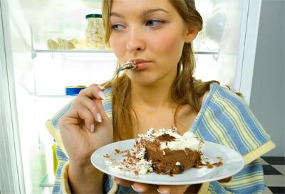 "<div class=""caption-credit""> Photo by: Thinkstock</div><div class=""caption-title""></div><b>FAT HABIT #20: Eating when emotional</b> <br> A study from the University of Alabama found that emotional eaters-those who admitted eating in response to emotional stress-were 13 times more likely to be overweight or obese. If you feel the urge to eat in response to stress, try chewing a piece of gum, chugging a glass of water, or taking a walk around the block. Create an automatic response that doesn't involve food and you'll prevent yourself from overloading on calories.<b><br></b> <p>   <b>How To  <a rel=""nofollow"" href=""http://wp.me/p1rIBL-1b9"">Eat A More Nutritious Diet</a>   <br></b> </p> <br>"
