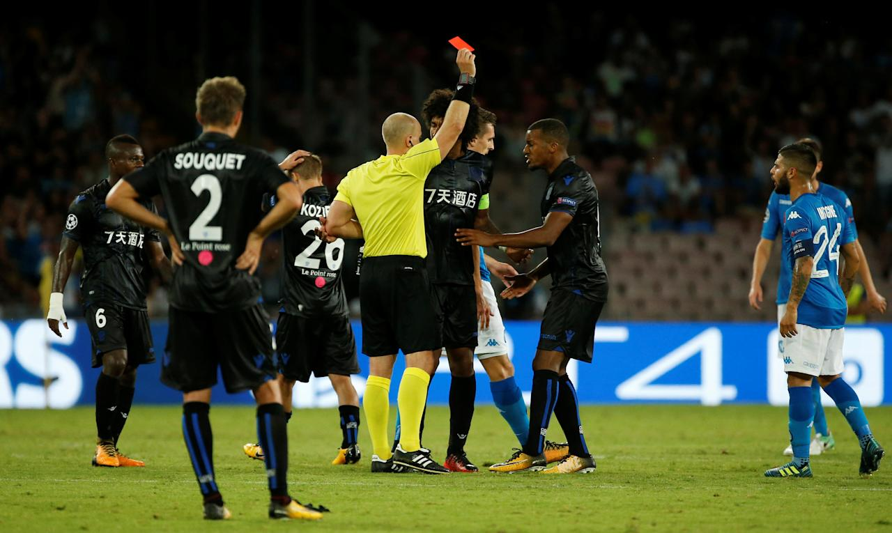 Soccer Football - Champions League - Napoli vs Nice - Qualifying Play-Off First Leg - Naples, Italy - August 16, 2017   OGC Nice's Vincent Koziello is shown a red card by referee Szymon Marciniak   REUTERS/Ciro De Luca