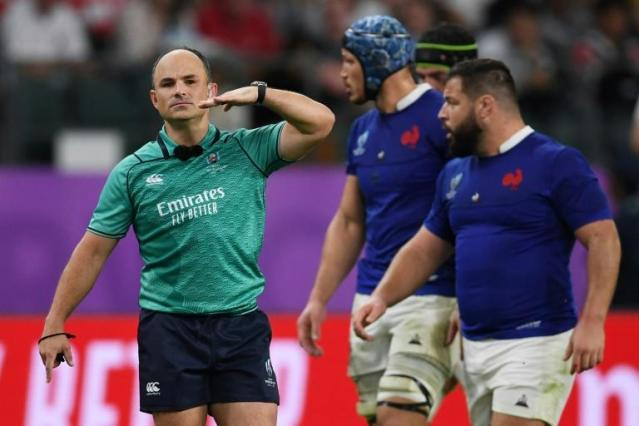 Referee Jaco Peyper later got into trouble for his gestures (AFP Photo/CHARLY TRIBALLEAU)