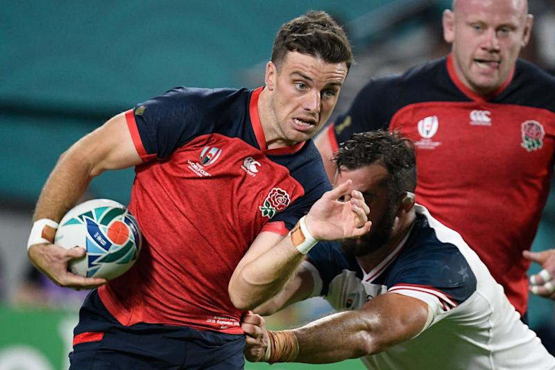 England's fly-half George Ford (L) runs to score a try during the Japan 2019 Rugby World Cup Pool C match between England and the United States at the Kobe Misaki Stadium in Kobe on September 26, 2019. (Photo by Filippo MONTEFORTE / AFP) (Photo credit should read FILIPPO MONTEFORTE/AFP/Getty Images)