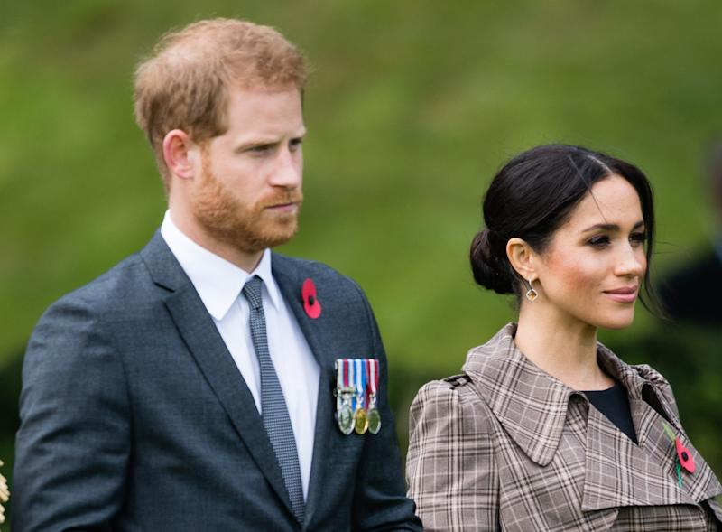 WELLINGTON, NEW ZEALAND - OCTOBER 28: Prince Harry, Duke of Sussex and Meghan, Duchess of Sussex attend a traditional welcome ceremony on the lawns of Goverment House on October 28, 2018 in Wellington, New Zealand. The Duke and Duchess of Sussex are on their official 16-day Autumn tour visiting cities in Australia, Fiji, Tonga and New Zealand. (Photo by Samir Hussein/Samir Hussein/WireImage)